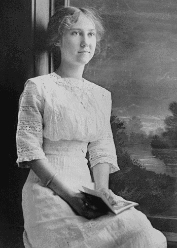 Photograph_of_Mamie_Eisenhower_at_the_age_of_17