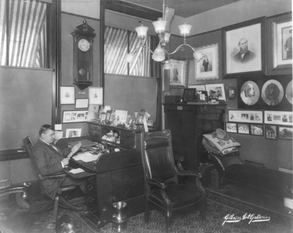 1904-William_Pinkerton_office